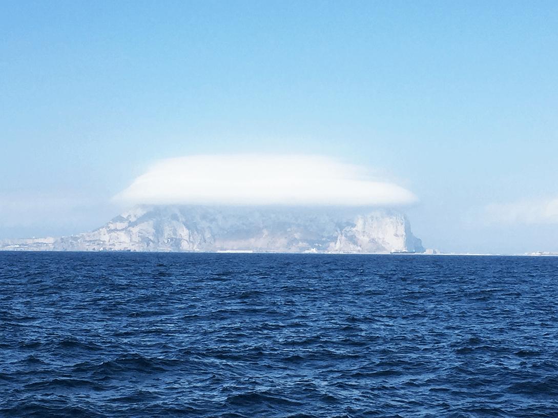 Le rocher de Gibraltar coiffé